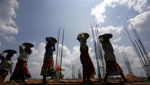 women constrcution workers:  a representative image